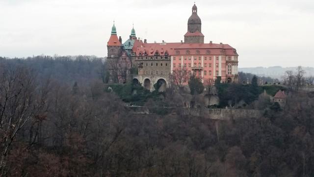 Замок Ксенж зимой