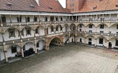 Замок Силезких Пястов в Бжеге